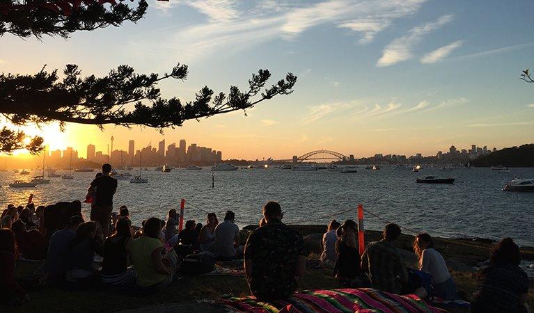 Сидней встреча Нового года на острове Shark Island в Австралии
